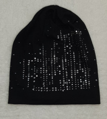 Crna platnena kapa sa cirkonima, kao nova