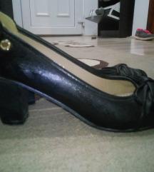 Crne kozne cipelice