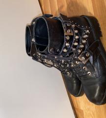 Zara crne kožne čizme