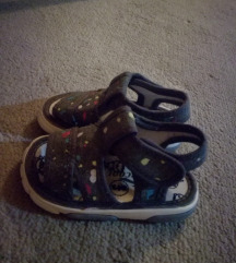 Sandale broj 20