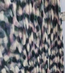 P..S.. divne lagane plisirane pantalone vel 40