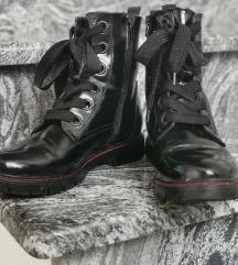 Čizme polovne u dobrom stanju
