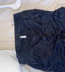 Zara pantalone sa dzepovima