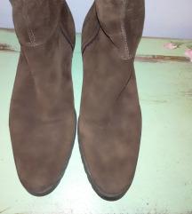 Dugačke braon čizme od prave kože br. 39