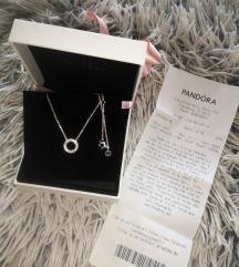 Pandora nova ogrlica sa priveskom