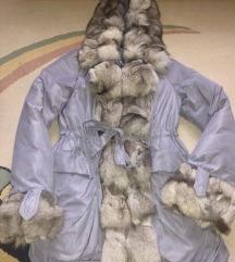 Perjana jakna sa prirodnim krznom