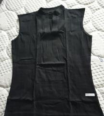 Crna majica bez rukava novo
