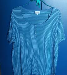 Svetlo plava majica na pruge