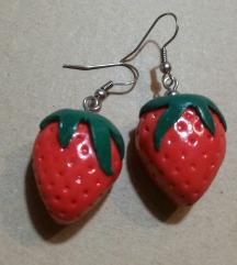 Minđuše jagode