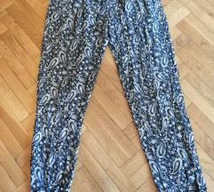Teget-krem letnje pantalone kao nove