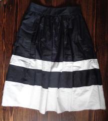 Zara suknja snizena na 1999 din