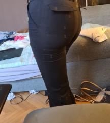 Pantalone zvoncare tanak materijal udobne