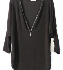Crna moderna bluza ,veličina L