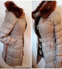 Odlicna Zimska jakna sa bogatim krznom
