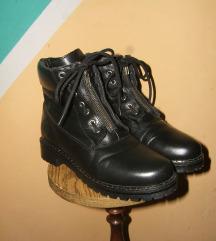 Kožne crne čizme s.Oliver  Kao nove