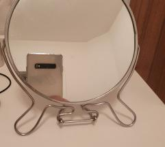 Kozmeticko ogledalo, dvostrano
