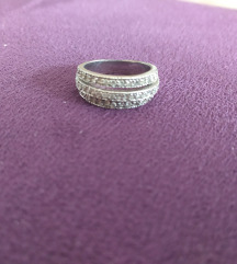 Srebrni prsten sa cirkonima
