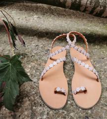 Kožne sandale sa detaljima