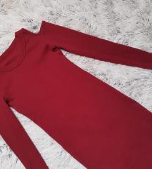 Off shoulder crvena haljina