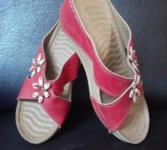 Papuce broj 40