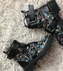 Cvetne cizme