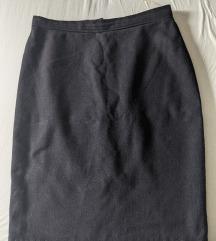 Crna deblja suknja