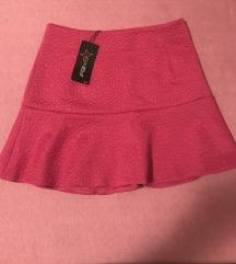 pink suknja sa etiketom