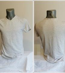 6.1. Odlična siva M majica