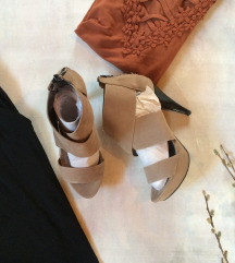 Sandale na stiklu 40