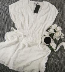 Bela Reserved haljina sa reljefnim tufnama