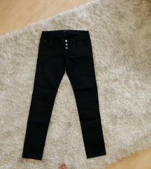 Crne skinny pantalone Teranova