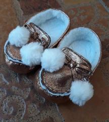 Bebi nehodajuce cipelice