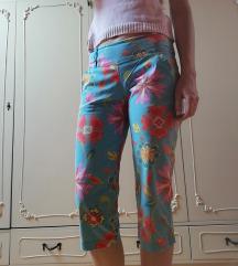 Šarene brižit pantalone