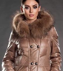 Nova perjana jakna sa prirodnim krznom vel S