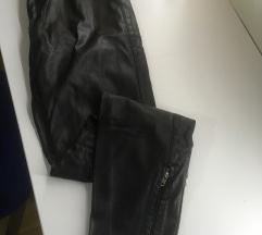 """Zara"" crne kožne pantalone sa oštećenjem"