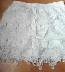 Čipkani beli šorts