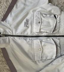 Bershka reflektivna jakna sa minimalnim ostecenjem