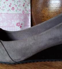 Cipele sivo-braon 400 din Rez