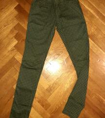 Skinny karirane pantalone