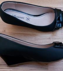 Crne cipelee
