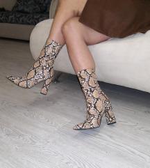 Cizme sa zmijskim printom
