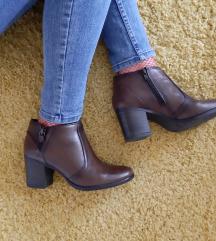 Kozne cizme/ gleznjace 39
