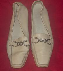 Bež kožne cipele Bata, stanje OK. 38