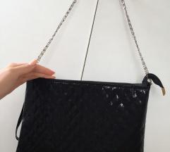 Lakovana torbica nova