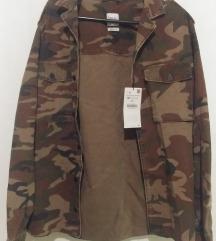 Zara jakna sa etiketom