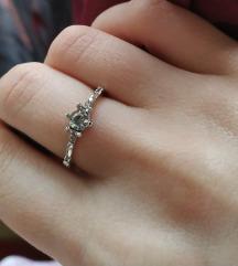 Maleni prsten vel 6, sa kristalima -NOVO-