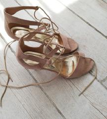 Puder roze sandale, mala stikla!