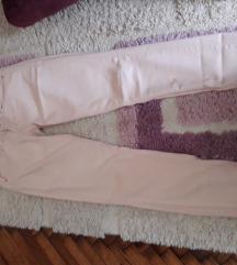 Puder roze Bershka pantalone Eur 34