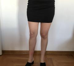 Klasična crna suknjica