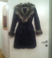 Crna zenska jakna sa krznom